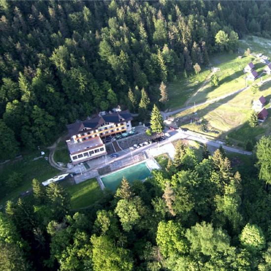 Areál hotelu Kyčera